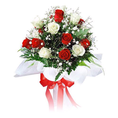 ramo docena rosas rojas y blancas